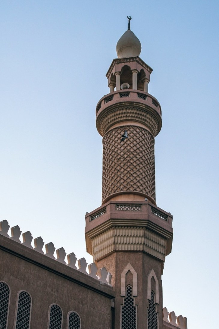 Beautifully-Designed-Mosque-in-Old-Dubai