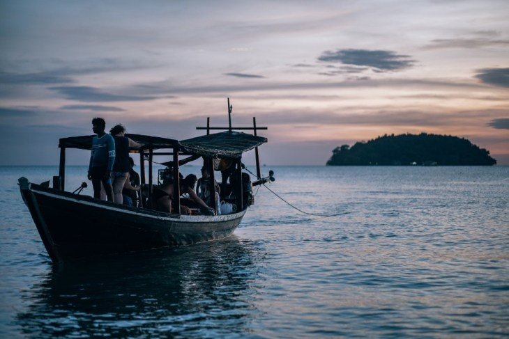 Passenger-Boat-Coming-to-the-Shore-in-Cambodia