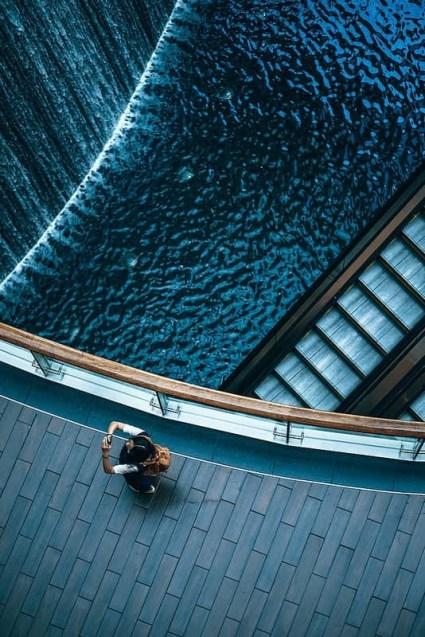 Tourist-Taking-a-Picture-in-a-Mall-in-Dubai-min