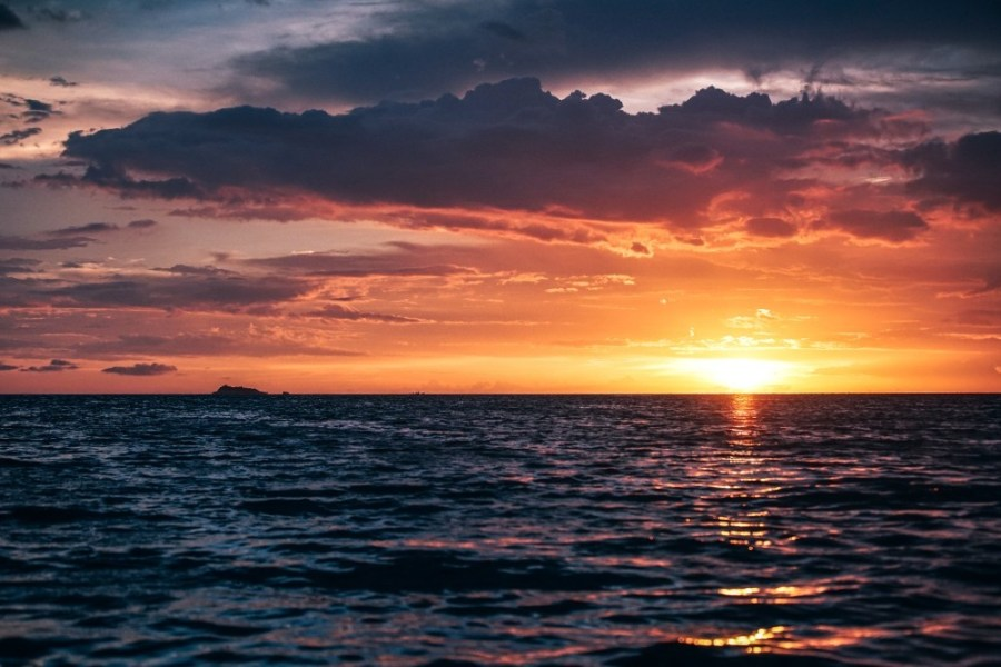 Deep-Sunset-over-the-Sea-in-Thailand