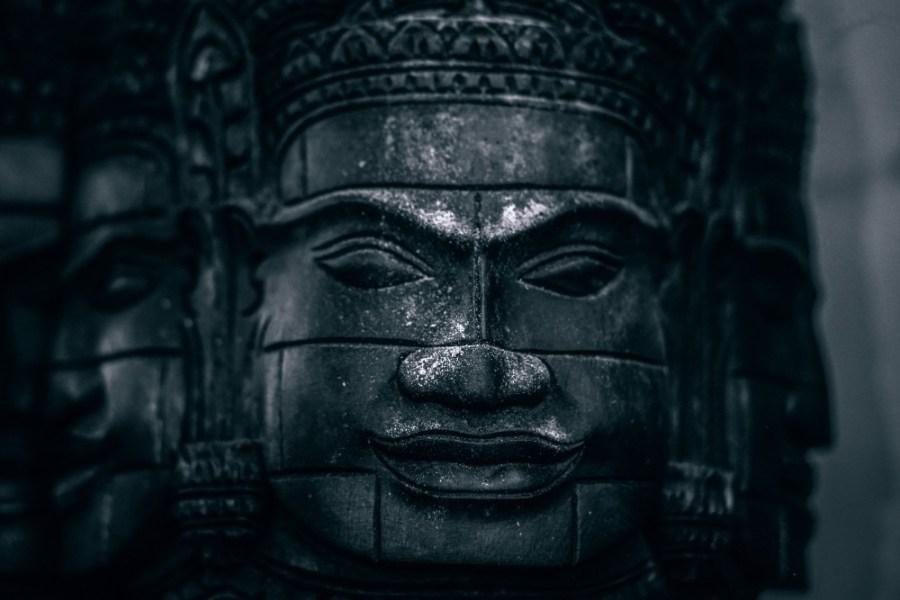 Unique-Wooden-Head-Statue-of-Buddha