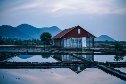 Wooden-Barn-on-the-Salt-Fields-in-Cambodia