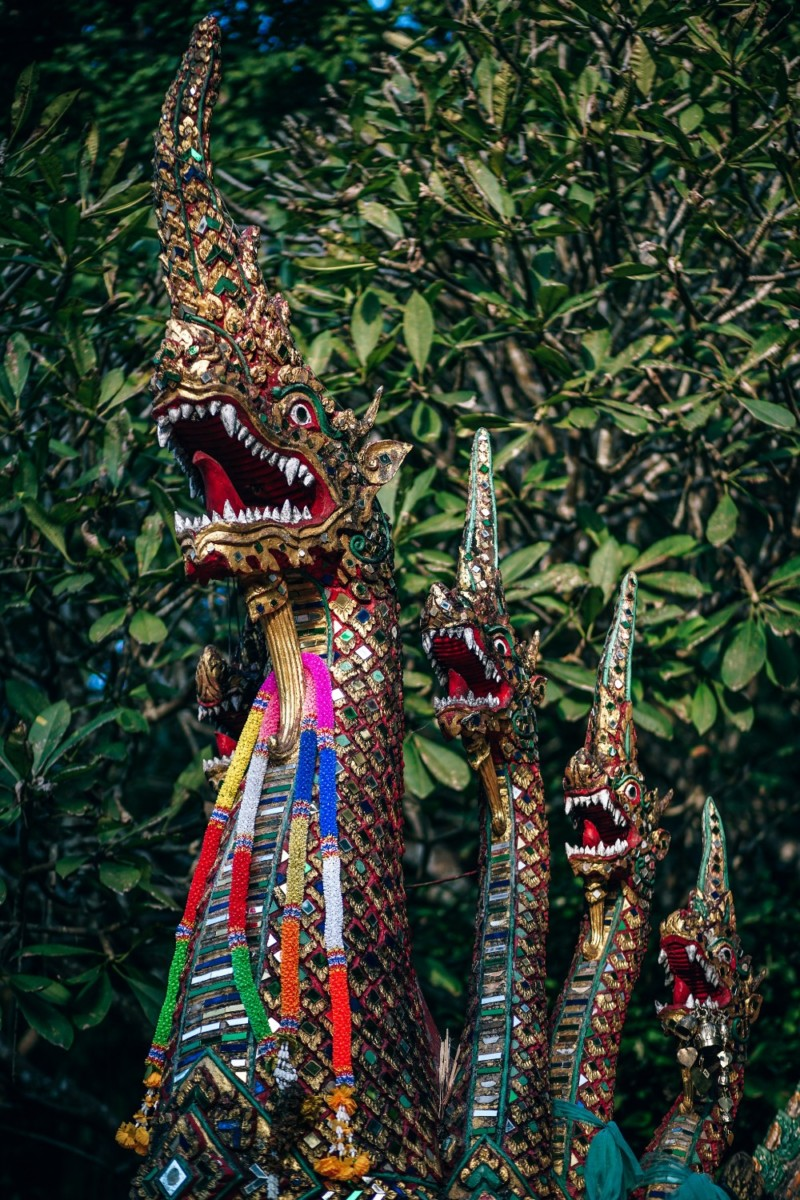 Dragon-Heads-Statue-at-The-Entrance-of-Doi-Suthep-Temple