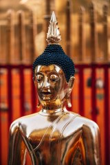 Golden-Buddha-Statue-Inside-Doi-Suthep-Temple