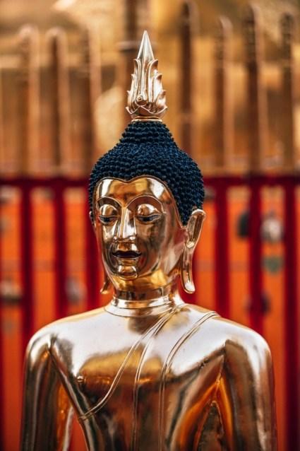 Golden-Buddha-Statue-Inside-Doi-Suthep-Temple
