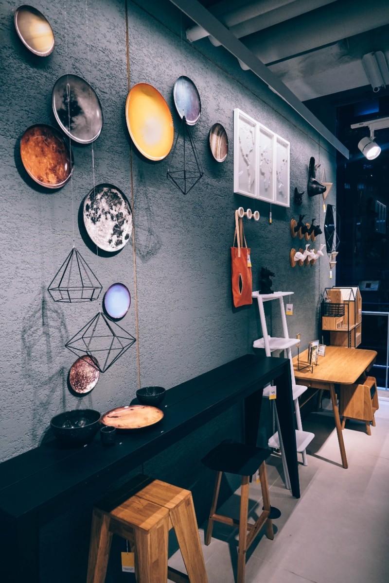 Interior-Decorations-Store-in-a-Bangkok-mall