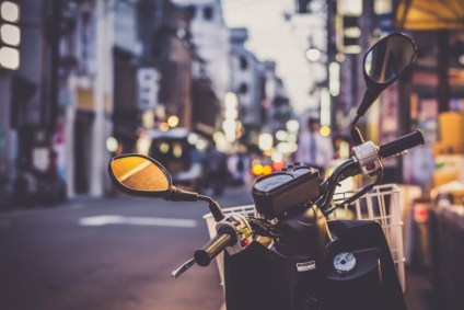 Motorbike-Photographed-on-the-Streets-of-Kyoto-Japan