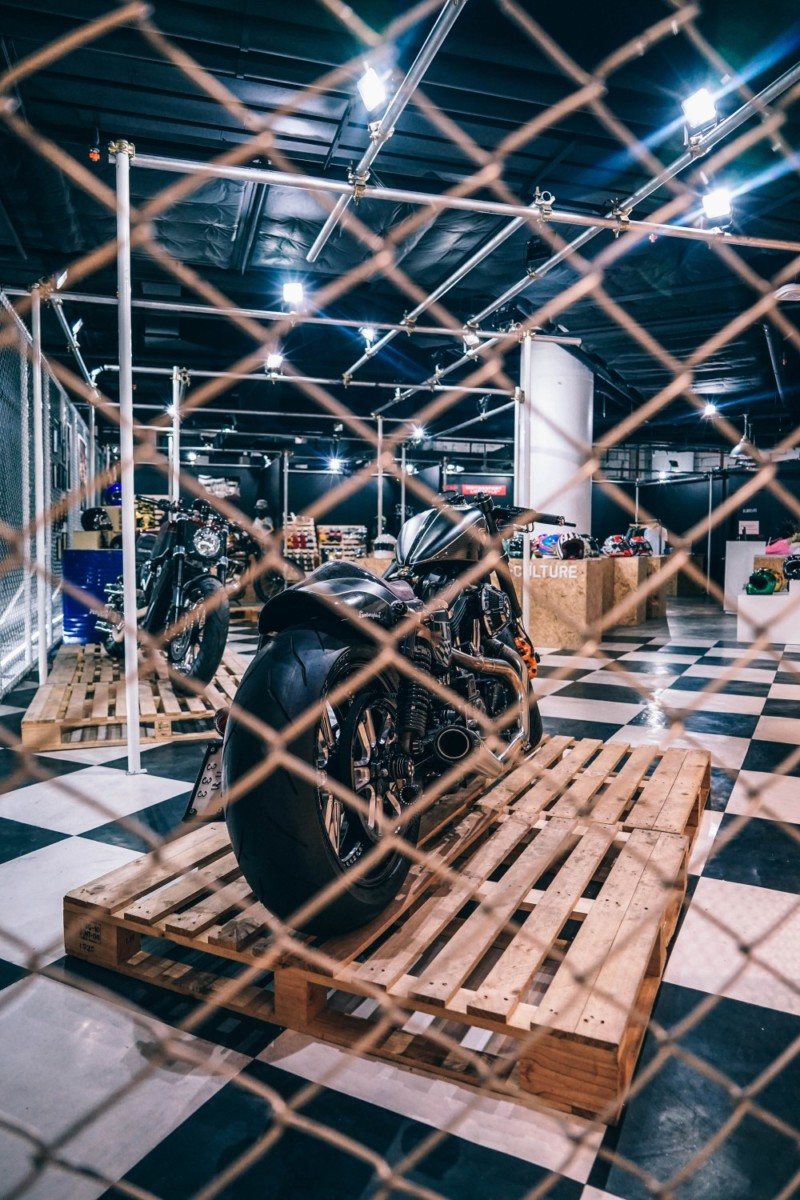 Motorcycle-Store-inside-the-Siam-Discovery-Mall-in-Bangkok