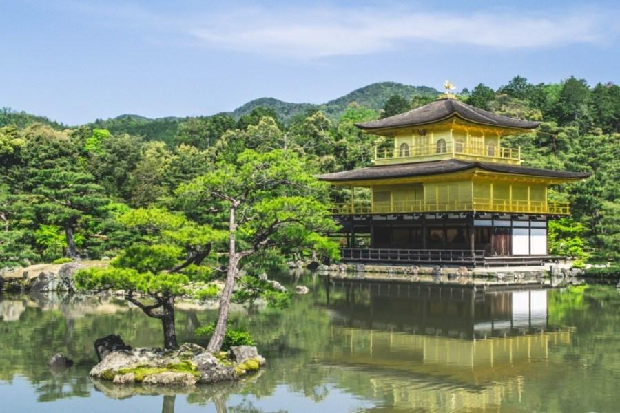 The-Beautiful-Kinkaku-ji-Temple-in-Kyoto
