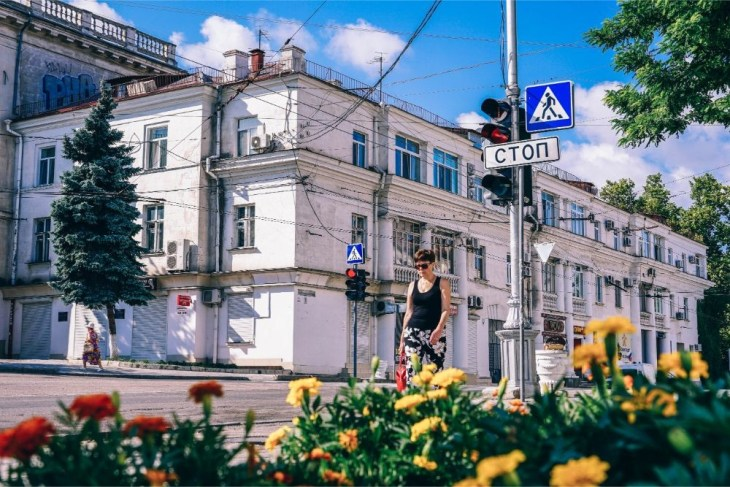 Woman-Walking-Through-the-Streets-of-Sevastopol