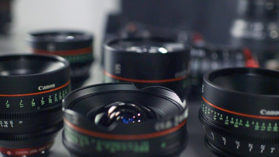 selective-focus-photography-of-Canon-lenses