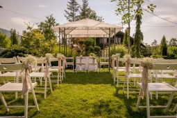 15 Interesting & Different Wedding Ideas for You