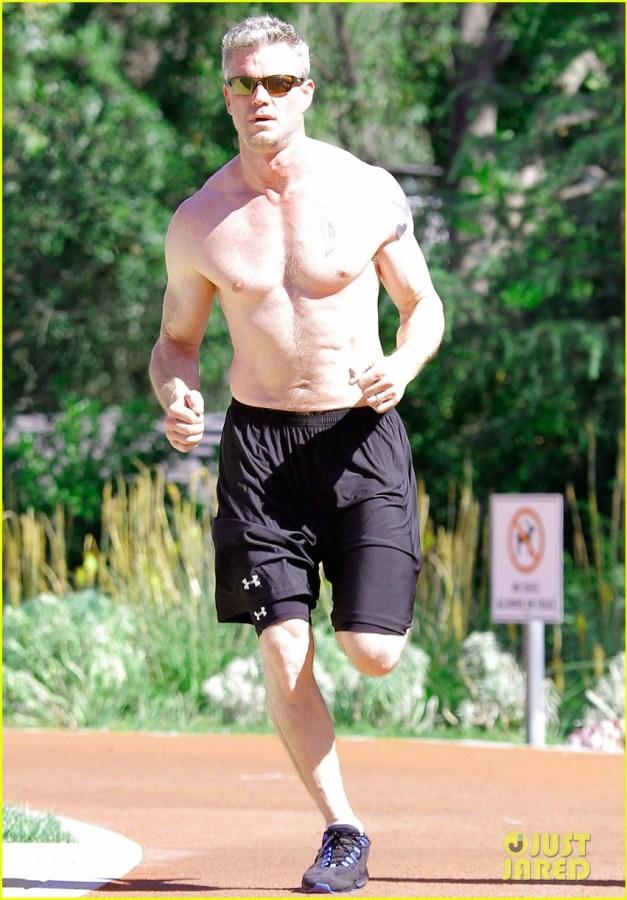 eric-dane-shirtless-workout-at-coldwater-canyon-park-04