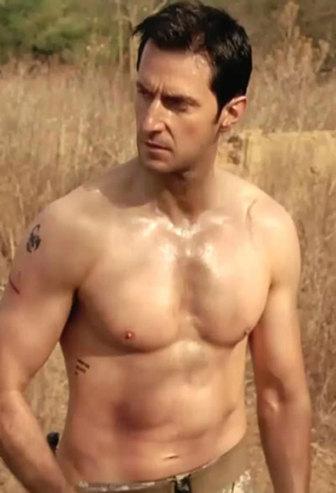 richard_armitage_shirtless
