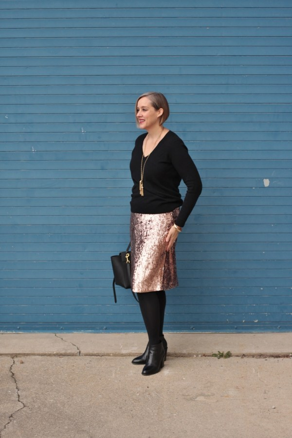 sequin pencil skirt for a holiday party, 40 + style blogger