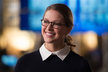 "DC's Legends of Tomorrow --""Invasion!""-- Image LGN207b_0157.jpg -- Pictured: Melissa Benoist as Kara/Supergirl -- Photo: Diyah Pera/The CW -- © 2016 The CW Network, LLC. All Rights Reserved"