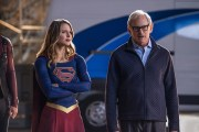 "DC's Legends of Tomorrow --""Invasion""-- Image LGN207c_0307.jpg -- Pictured (L-R): Melissa Benoist as Kara/Supergirl and Victor Garber as Professor Martin Stein -- Photo: Diyah Pera/The CW -- © 2016 The CW Network, LLC. All Rights Reserved"