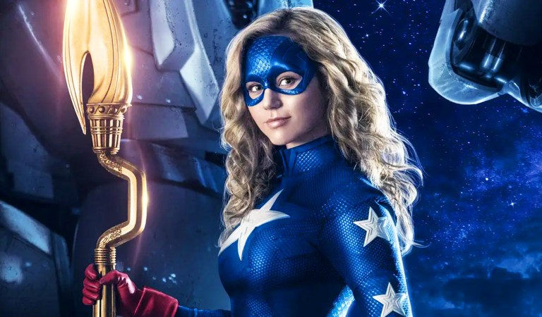 Stargirl To Appear in Crisis on Infinite Earths
