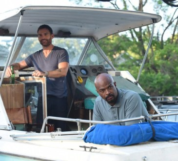 "LETHAL WEAPON: L-R: Seann William Scott and Damon Wayans in the ""In The Same Boat"" season premiere episode of LETHAL WEAPON airing Tuesday, September 25 (9:00-10:00 PM ET/PT) on FOX. ©2018 Fox Broadcasting Co."