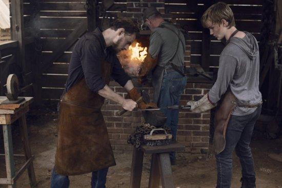 Callan McAuliffe as Alden, Matt Lintz as Henry- The Walking Dead _