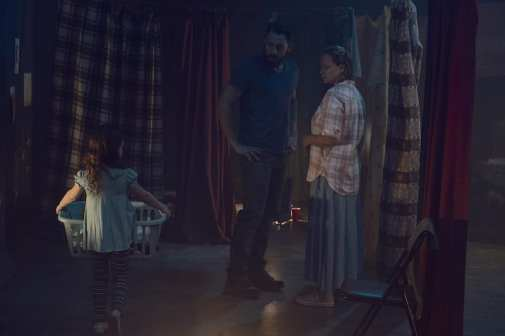 Scarlett Blum as Young Lydia, Steve Kazee as Frank, Samantha Morton as Alpha - The Walking Dead _ Season 9, Episode 10 -