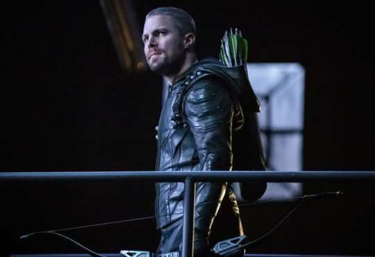 """Arrow -- """"Past Sins"""" -- Image Number: AR711a_0123b -- Pictured: Stephen Amell as Oliver Queen/Green Arrow -- Photo: Jack Rowand/The CW -- © 2019 The CW Network, LLC. All Rights Reserved."""