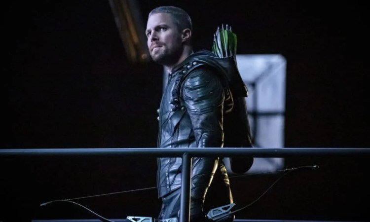 "Arrow -- ""Past Sins"" -- Image Number: AR711a_0123b -- Pictured: Stephen Amell as Oliver Queen/Green Arrow -- Photo: Jack Rowand/The CW -- © 2019 The CW Network, LLC. All Rights Reserved."