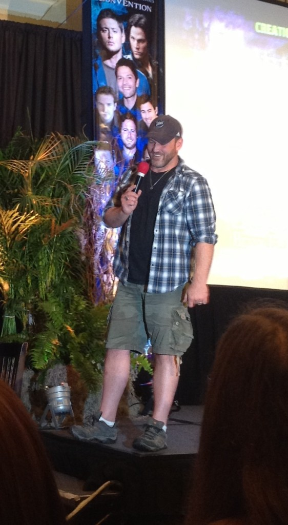 Ty entertains fans at NJCon