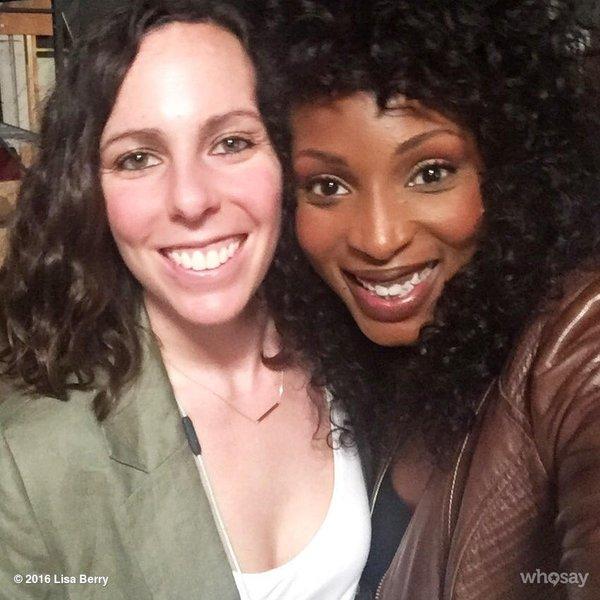 Tweet Lisa Berry (w Nina Lopez-Corrado)