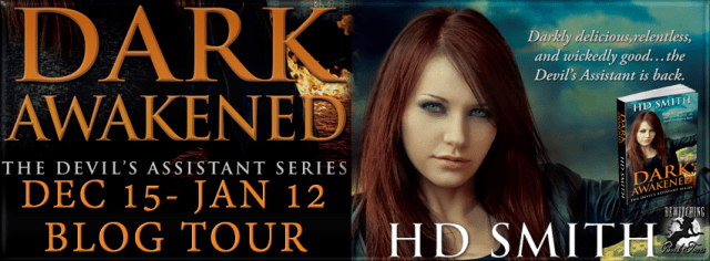 5 Fang Review: Dark Awakened by H.D. Smith