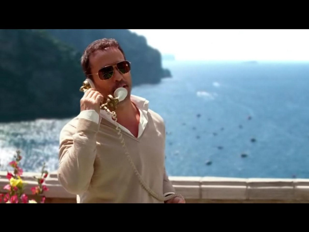 Ari (Jeremy Piven) on the phone in Entourage