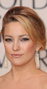 kate hudson on the red carpet at the Golden Globes