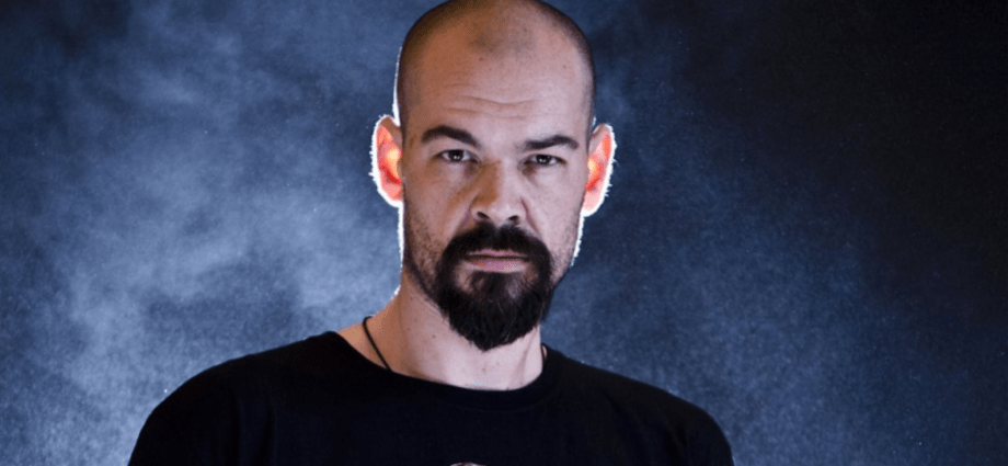 The 45-year old son of father (?) and mother(?) Aaron Goodwin in 2021 photo. Aaron Goodwin earned a  million dollar salary - leaving the net worth at  million in 2021