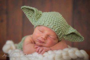 yoda-baby-hat-knit-fangirlnation