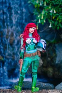 Traci Hines as Ariel Fett