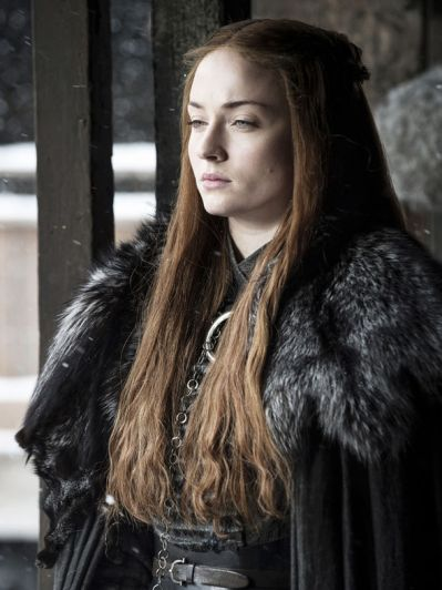 Sansa-Stark-looks-out-at-Winterfell-957237