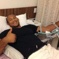 Ronaldo Souza has bone fragments removed from elbow