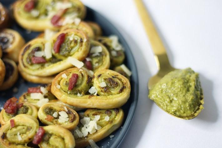 Recette des Palmitos salés au pesto, lardons et parmesan par fannyalbx.com
