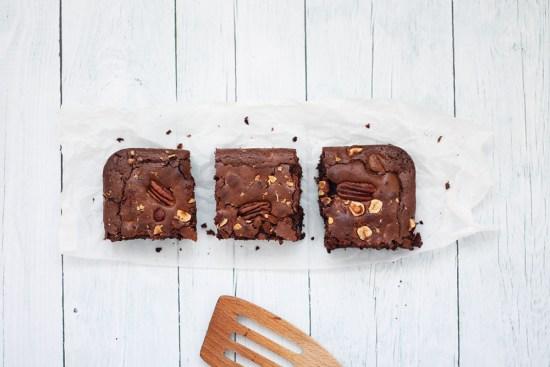 Brownie aux noisettes et noix de pécan - fannyalbx.com