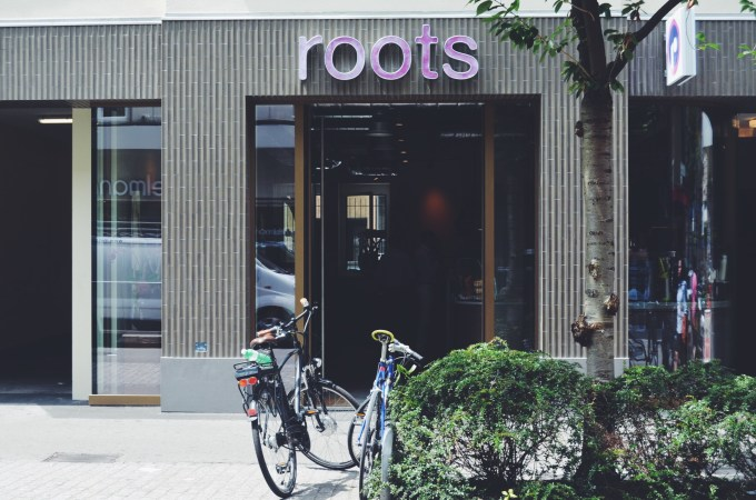 More Açai bowls in Zurich – Roots, the new vegan restaurant, take-away, smoothie and juice bar