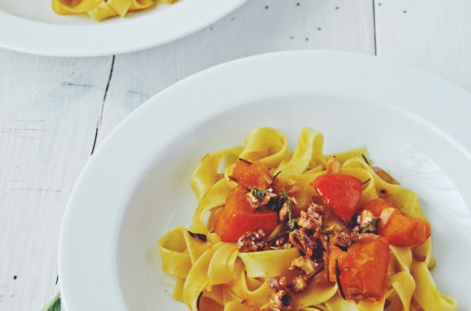 Pumpkin marsala pasta with maple walnut crunch – when I fancy pasta and it is pumpkin season