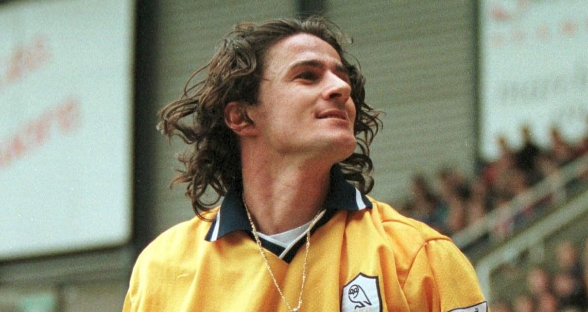 Benny Carbone con la casacca del Derby County