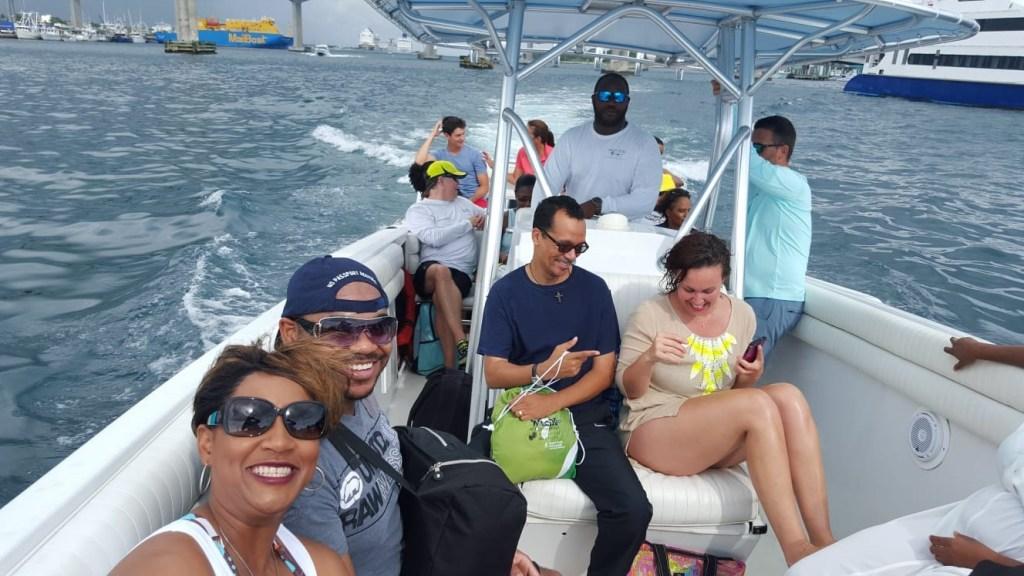 Boat charter Rose Island Beach Day