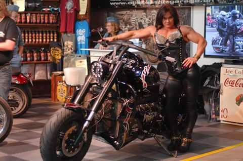 Ci vogliono i muscoli per andare in moto