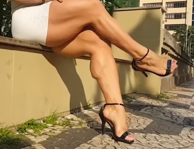 Video: Curvy Muscle and Thick big legs