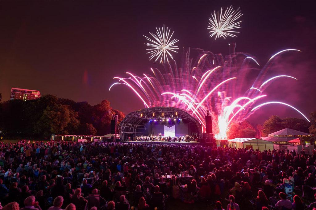 Professional Fireworks Displays | Summer Concert Fireworks
