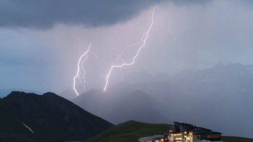 Weekend met onweersbuien, en herfstige omslag inzicht?