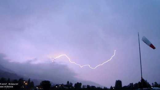 Zware onweersbuien opkomst in Oostenrijk