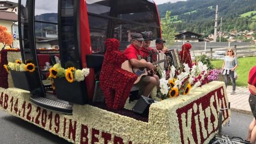Bloemencorso Kirchberg in Tirol Fleckalmbahn