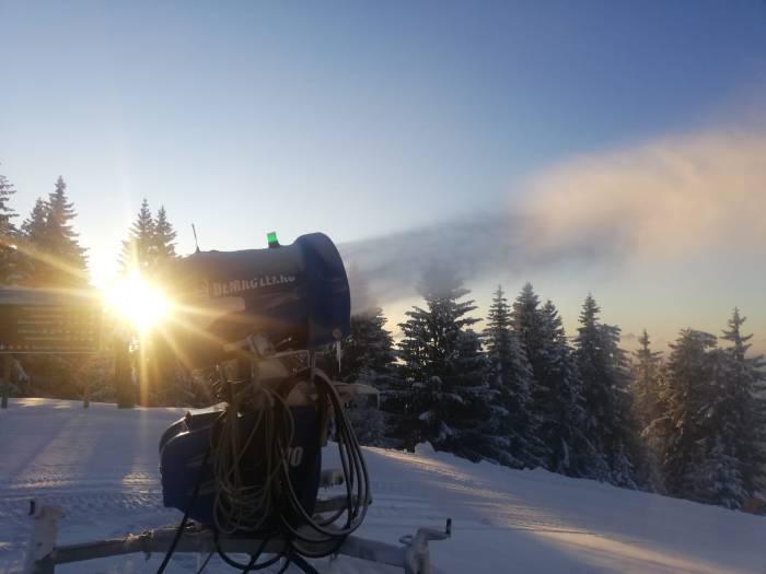 Sneeuwkanonnen aan St Johann in Tirol
